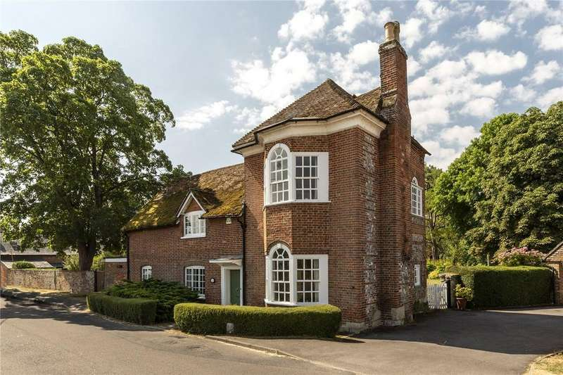 4 Bedrooms Detached House for sale in Stratford Road, Stratford Sub Castle, Salisbury, Wiltshire, SP1
