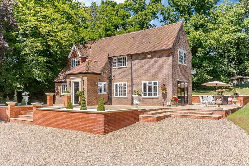 4 Bedrooms Detached House for sale in Ayot St. Lawrence, Welwyn, Hertfordshire, AL6