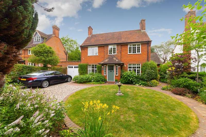 4 Bedrooms Detached House for sale in Willian Way, Letchworth Garden City