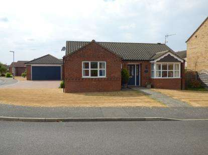 2 Bedrooms Bungalow for sale in Short Furrow, Navenby, Lincoln, Lincolnshire