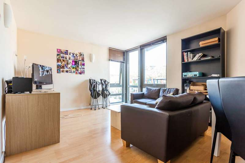 2 Bedrooms Flat for sale in Clapham Road, Stockwell, SW9
