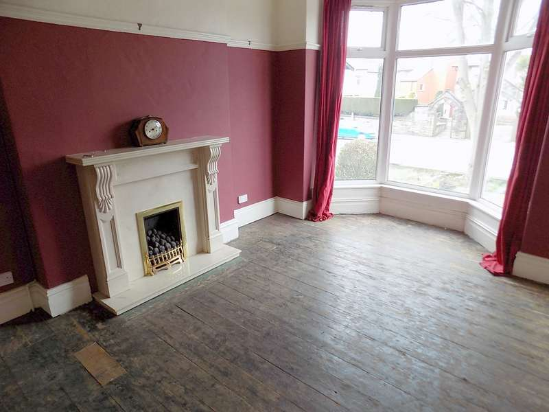 3 Bedrooms Terraced House for sale in Wigan Road, Bolton, BL3