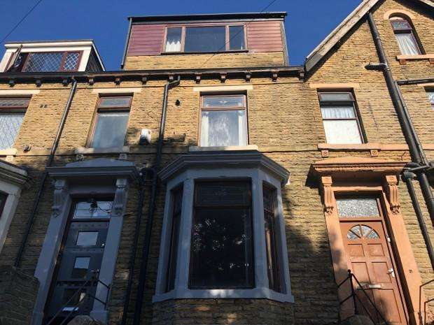 4 Bedrooms Terraced House for sale in Lapage Street, Bradford, BD3