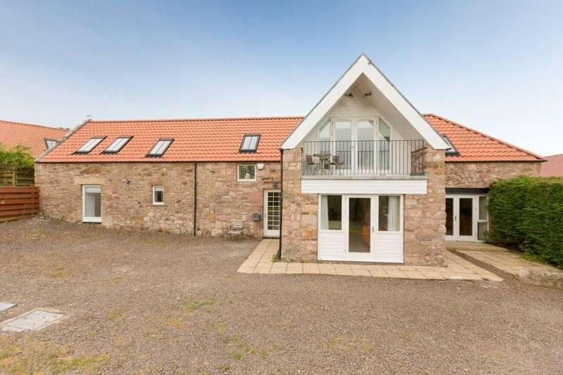 3 Bedrooms Detached House for sale in The Old Stables, Hoprig Road, COCKBURNSPATH, TD13 5YG