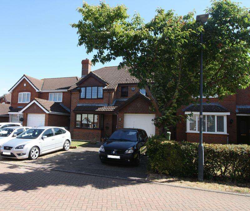 4 Bedrooms Detached House for sale in Caister Close, Hemel Hempstead