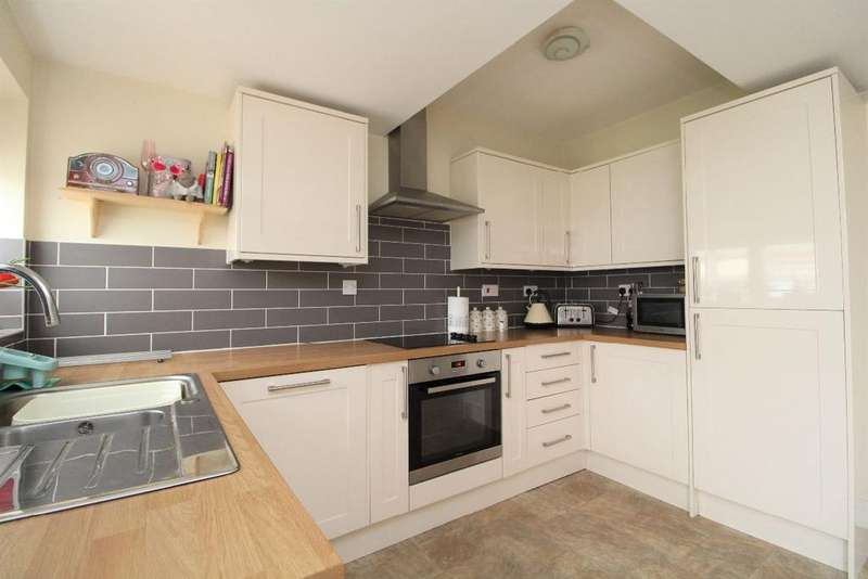 2 Bedrooms Semi Detached House for sale in New Road, Bromham, MK43