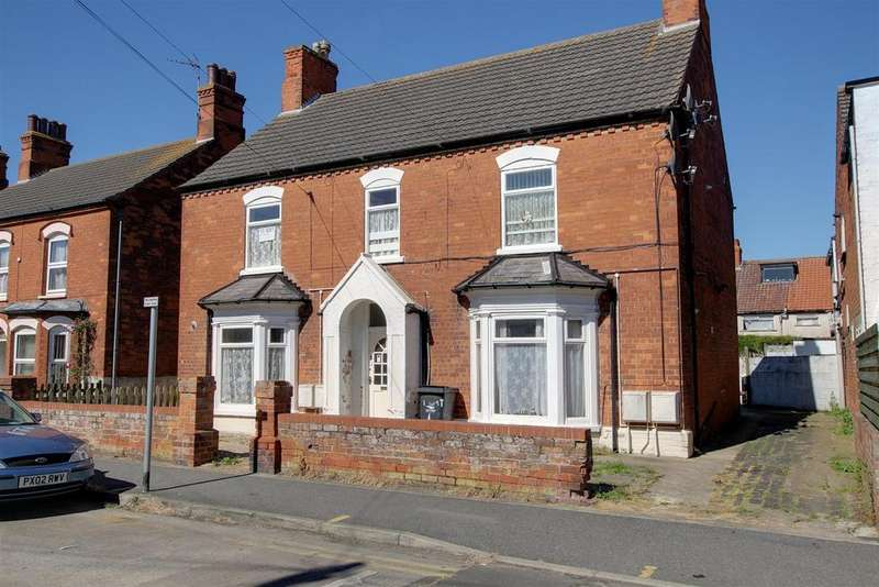 6 Bedrooms Detached House for sale in Wellington Road, Mablethorpe