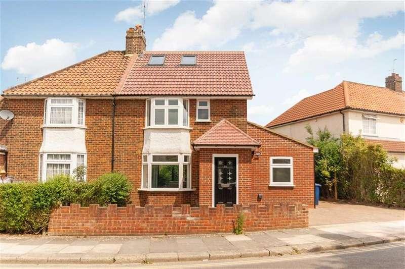 4 Bedrooms Semi Detached House for sale in Walton Way, London