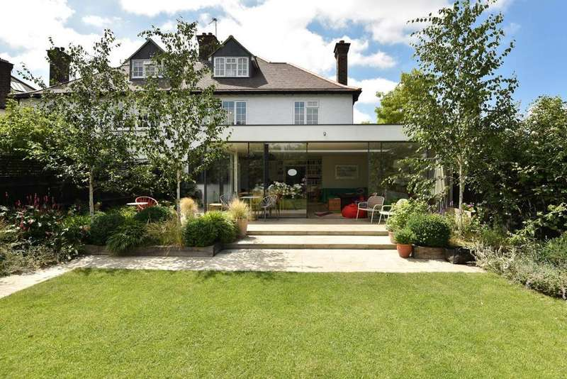 4 Bedrooms Semi Detached House for sale in Gilkes Crescent, Dulwich Village