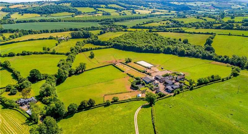 3 Bedrooms Farm House Character Property for sale in St. Maughans, Monmouth, Monmouthshire, NP25