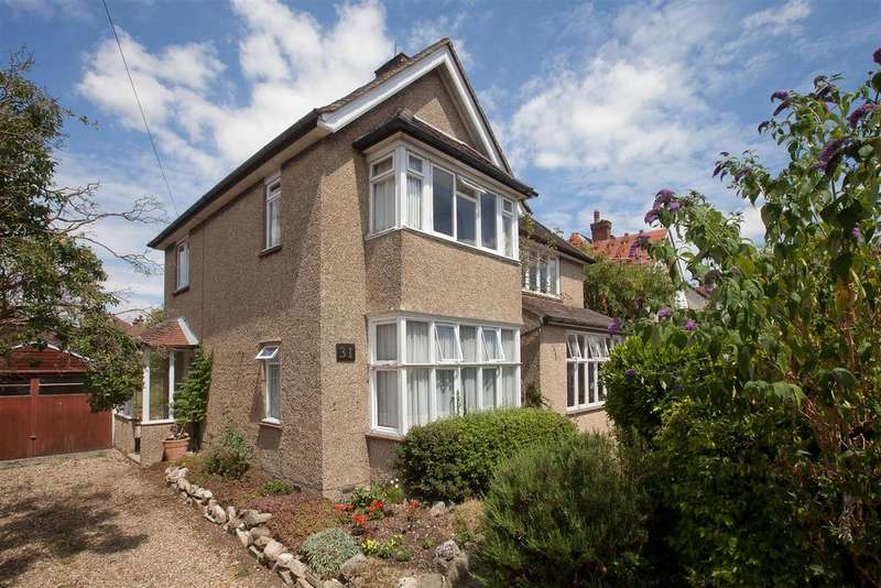 5 Bedrooms Detached House for sale in Moberly Road, Salisbury