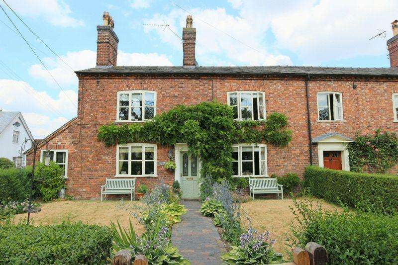 6 Bedrooms Semi Detached House for sale in Nantwich Road, Wrenbury