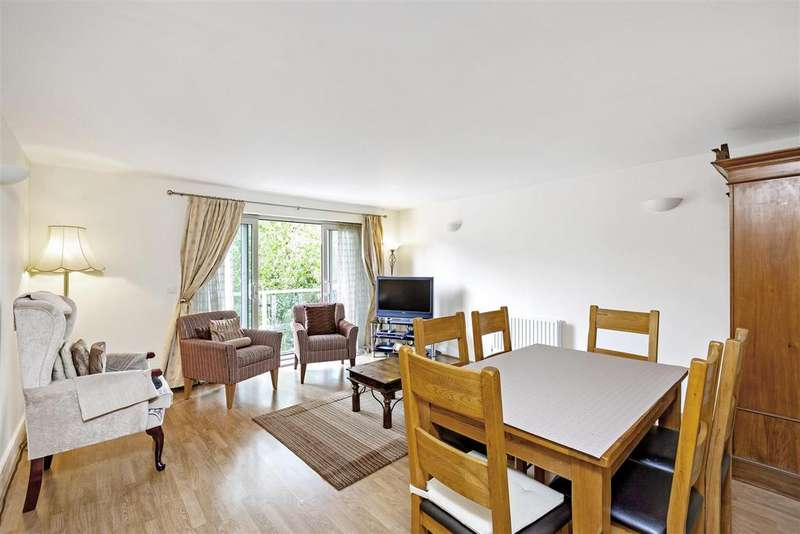 3 Bedrooms Flat for sale in Worple Road, Wimbledon