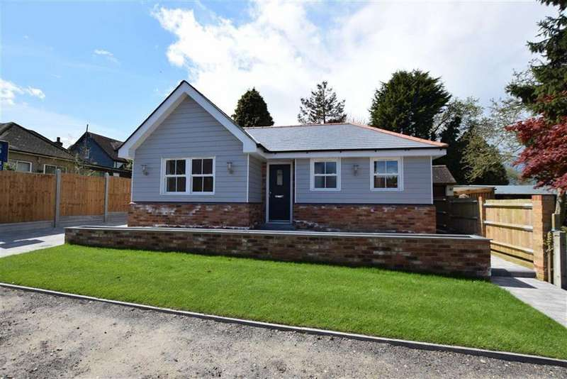 2 Bedrooms Detached Bungalow for sale in Stacey Drive, Langdon Hills, Basildon, Essex
