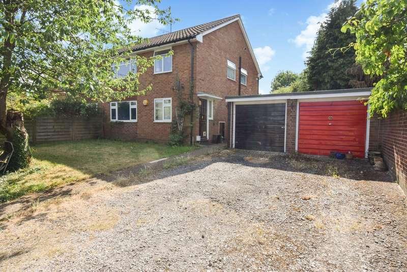 2 Bedrooms Maisonette Flat for sale in Maypole Road, Taplow, Maidenhead, SL6