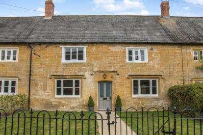 3 Bedrooms Terraced House for sale in Martock, Somerset, Uk