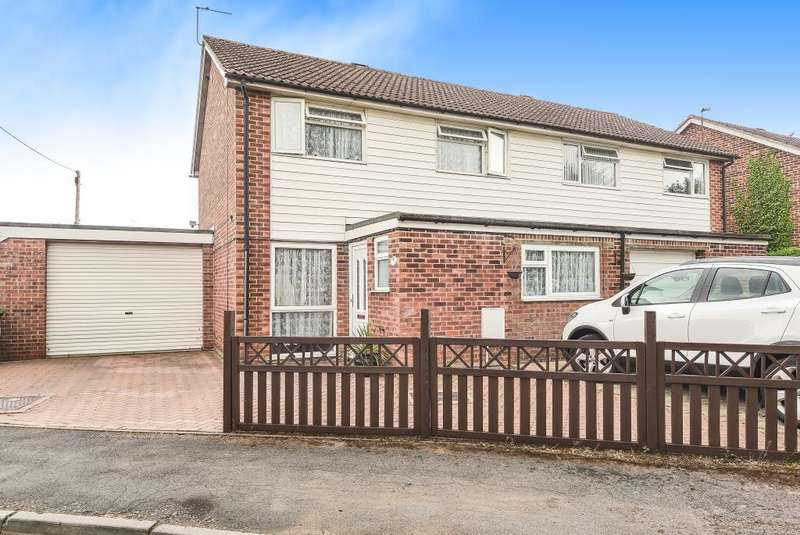 3 Bedrooms House for sale in St. Marks Close, Thatcham, RG19