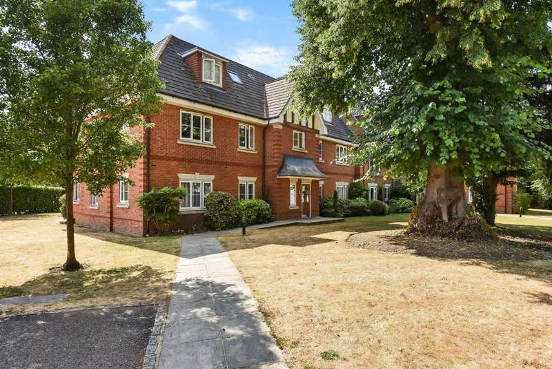 2 Bedrooms Flat for sale in Warfield, Berkshire, RG42