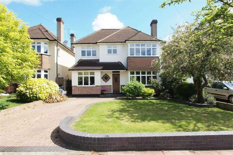 4 Bedrooms Detached House for sale in Hayes Chase, West Wickham, Kent