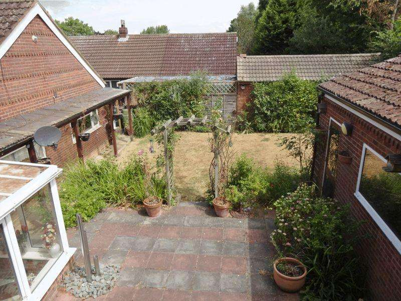 3 Bedrooms Detached Bungalow for sale in Drayton Road, Bletchley