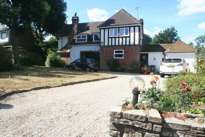4 Bedrooms Detached House for sale in Woodland Way, Purley