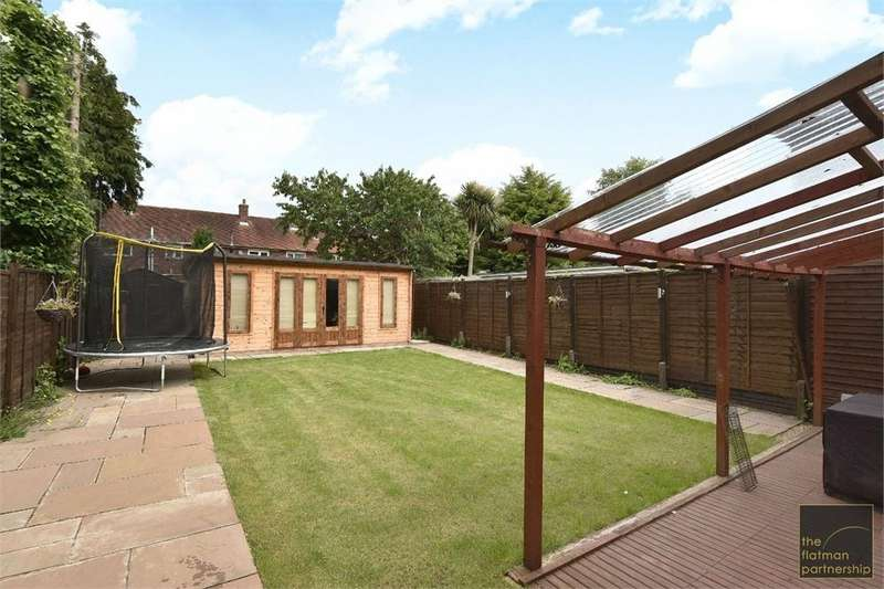 3 Bedrooms Semi Detached House for sale in Churchill Road, Langley, Berkshire