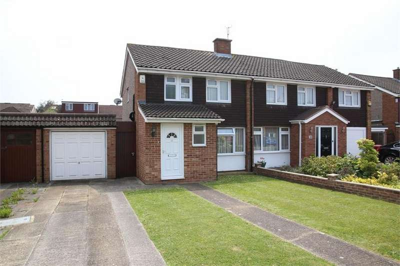 3 Bedrooms Semi Detached House for sale in Seacourt Road, Langley, Berkshire