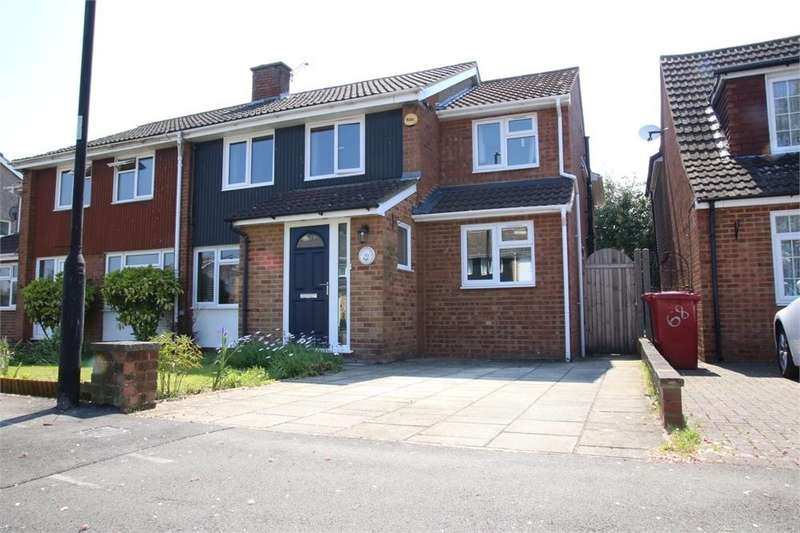 4 Bedrooms Semi Detached House for sale in Seacourt Road, Langley, Berkshire