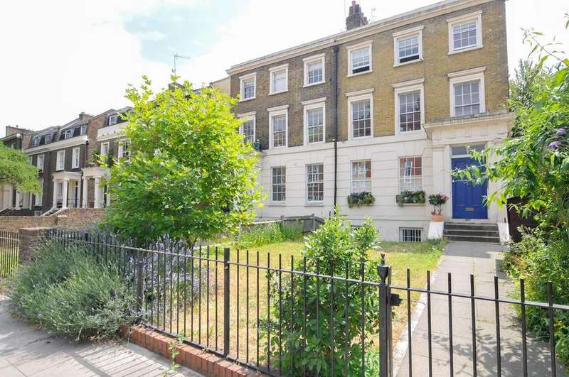 2 Bedrooms Flat for sale in Dalston Lane, London
