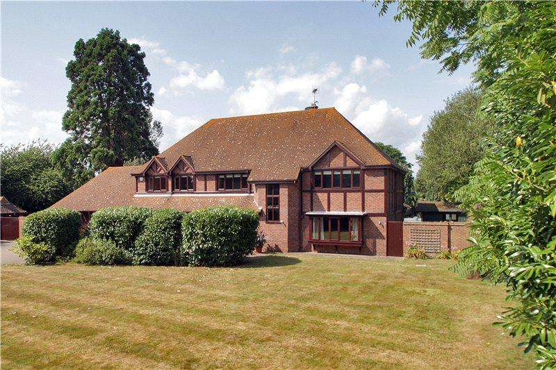 5 Bedrooms Detached House for sale in Horseshoes Lane, Langley, Maidstone, Kent, ME17