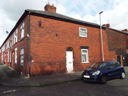 2 Bedrooms Terraced House for sale in Batley Street, Moston, Greater Manchester