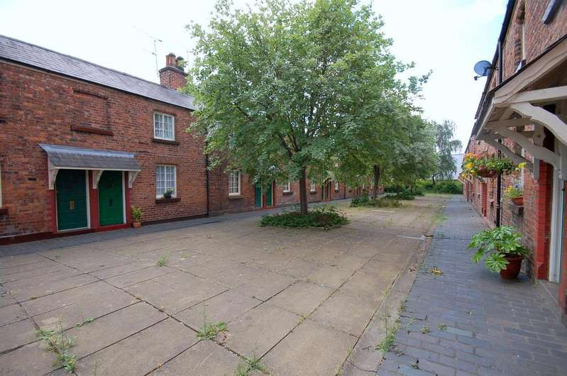 2 Bedrooms Cottage House for sale in Betley Street, Crewe