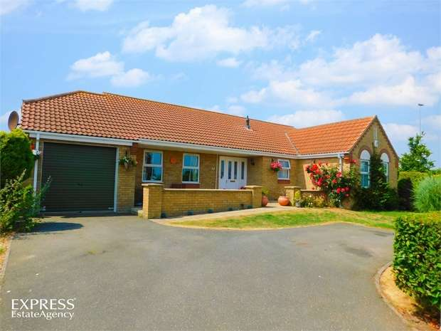 3 Bedrooms Detached Bungalow for sale in Merrills Way, Ingoldmells, Skegness, Lincolnshire