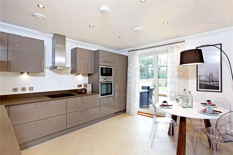 2 Bedrooms Flat for sale in Ascot Corner, Wells Lane, Ascot, Berkshire, SL5