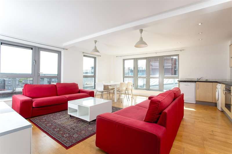 3 Bedrooms Flat for sale in Hamilton Court, Kingsdown