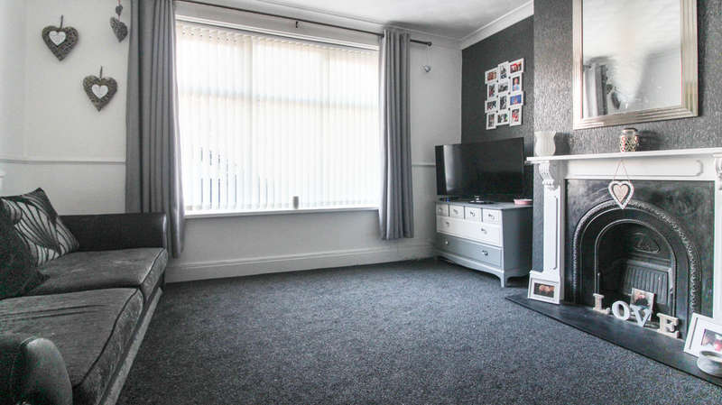 3 Bedrooms Semi Detached House for sale in Keswick Avenue, Portsmouth