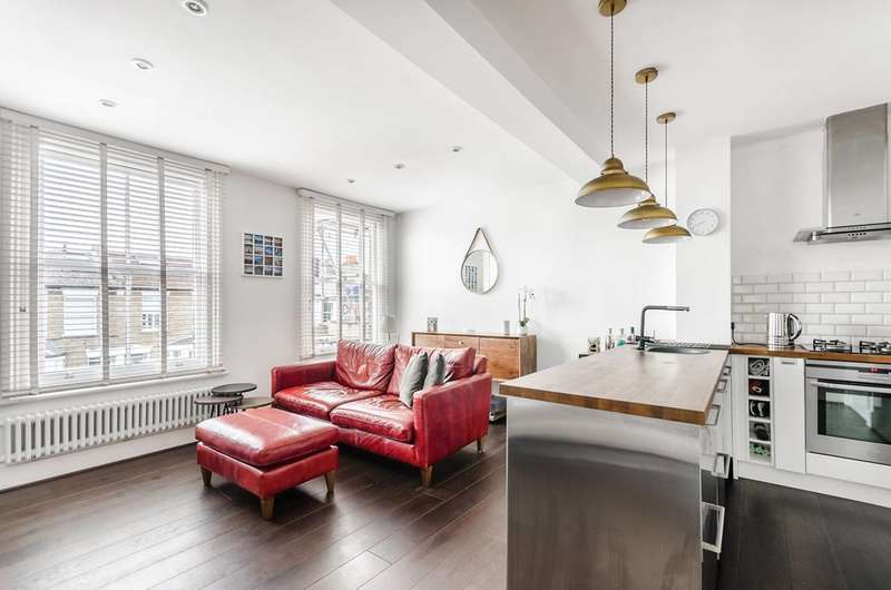 2 Bedrooms Flat for sale in Gladstone Road, Wimbledon, SW19