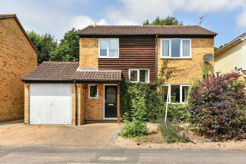 4 Bedrooms Detached House for sale in Priors Way, Maidenhead, SL6