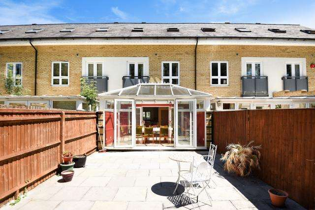 3 Bedrooms House for sale in Watford, Hertfordshire, WD18
