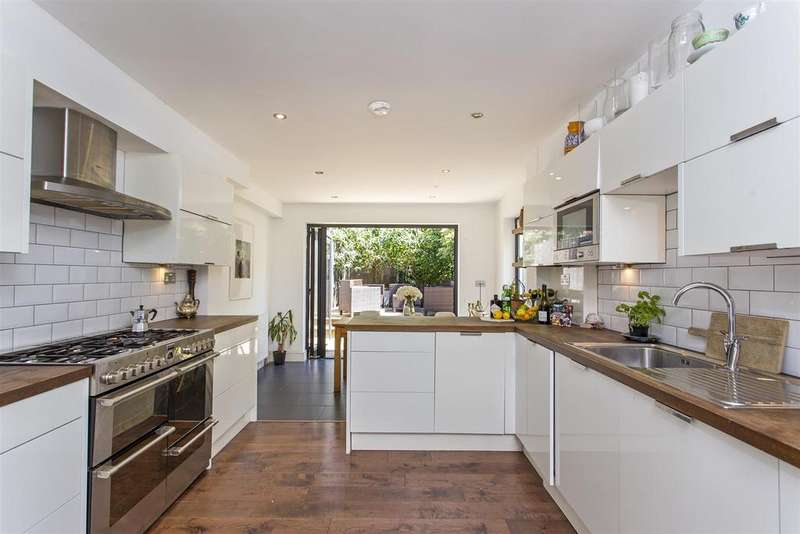 3 Bedrooms Terraced House for sale in Darville Road, LONDON