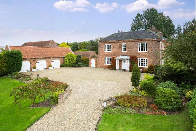 4 Bedrooms Detached House for sale in Garton YORKSHIRE