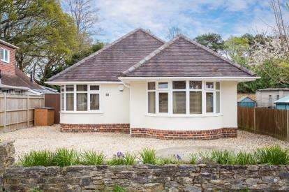 3 Bedrooms Bungalow for sale in Ashurst, Southampton, Hants