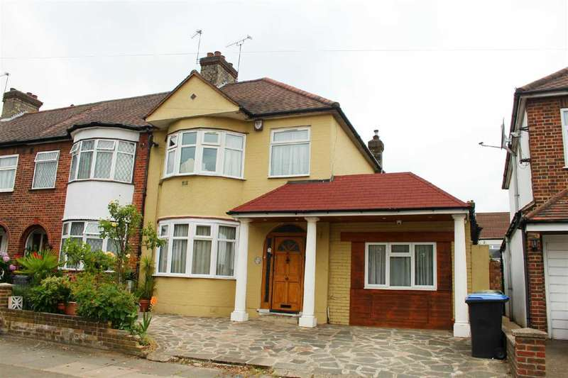 4 Bedrooms Semi Detached House for sale in Derwent Avenue