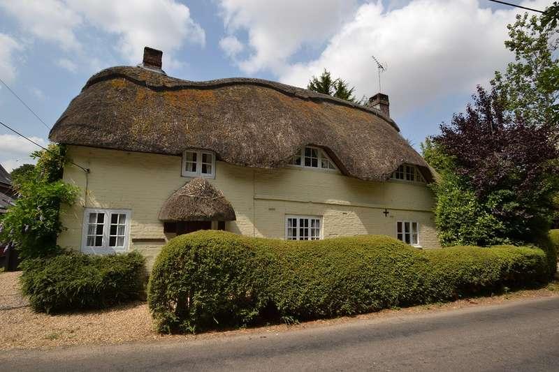 3 Bedrooms Detached House for sale in Rockbourne