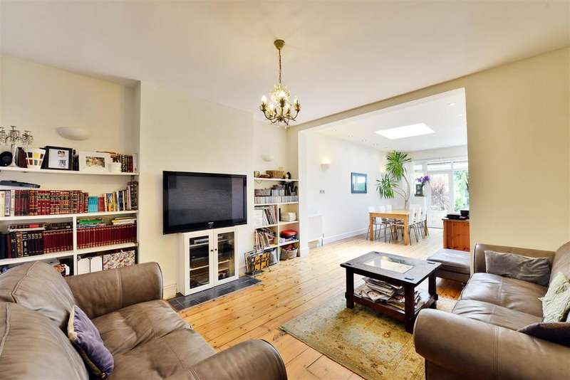 2 Bedrooms Flat for sale in Ashbourne Avenue, London