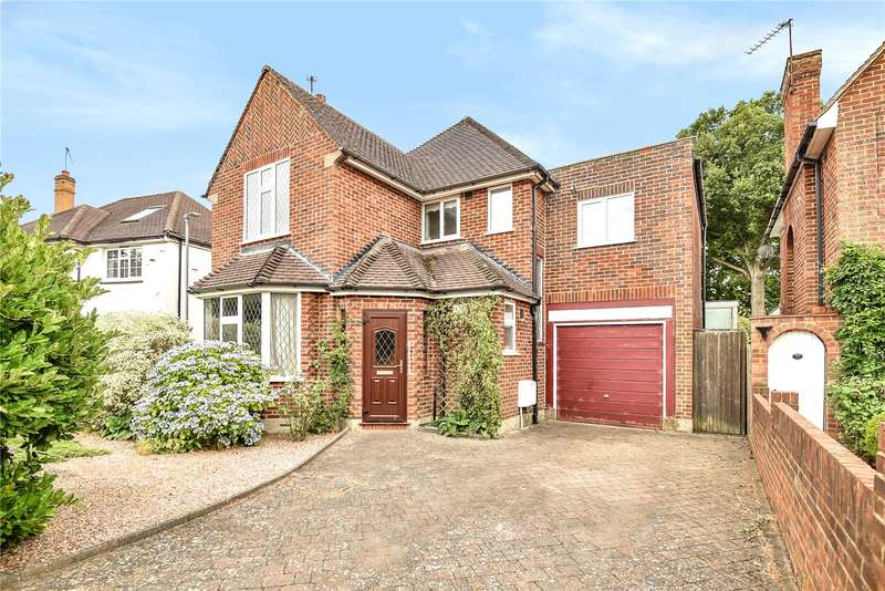 4 Bedrooms Detached House for sale in Broadwood Avenue, Ruislip, Middlesex, HA4