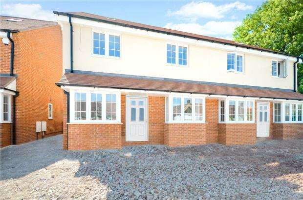 3 Bedrooms Semi Detached House for sale in Cleeve Down, Goring, Reading
