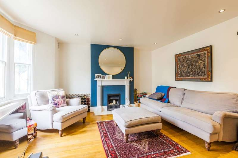 3 Bedrooms Maisonette Flat for sale in Clapham, Clapham, SW4