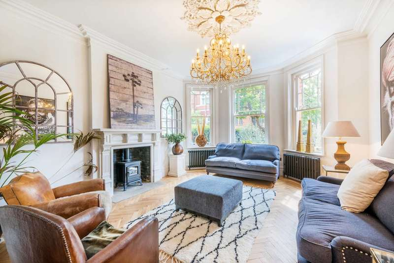 4 Bedrooms Semi Detached House for sale in Chevening Road, Queen's Park, NW6