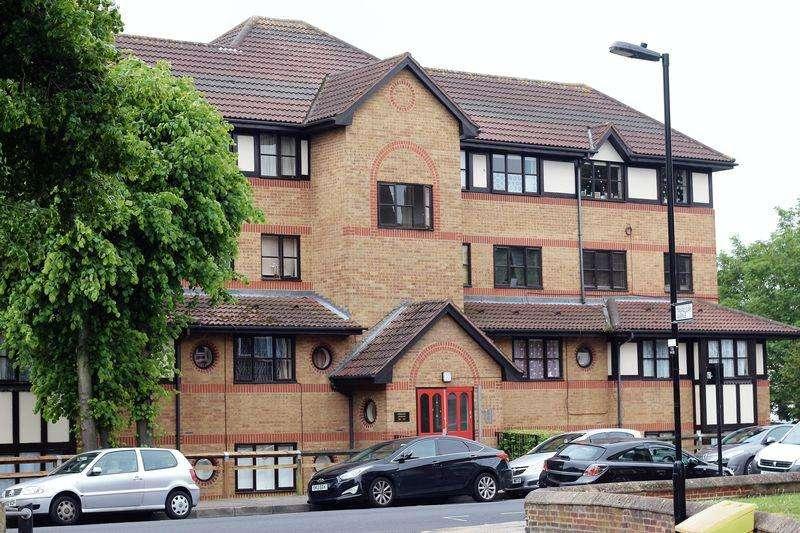 Studio Flat for sale in White Hart Lane, Tottenham, N17